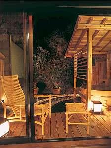夜は星を眺めながら・・・露天風呂付客室でくつろぐ