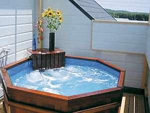 海が望める屋上の貸切展望風呂