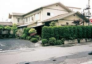 ビジネス旅館 川添支店の外観