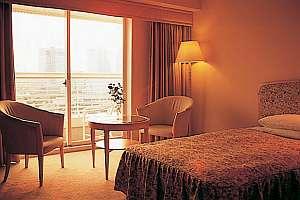 海を臨むゆとりの客室で優雅な神戸ステイを(ツイン例)
