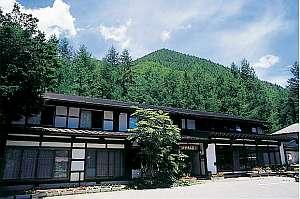 温泉宿 けやき山荘の外観