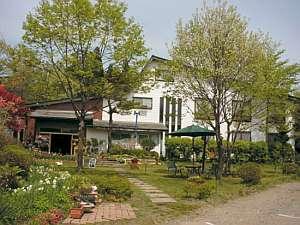 農園レストラン&ペンション レインボーヒルズの外観