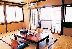 旅の疲れをゆっくり癒せる和室客室(一例)