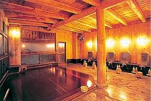 男子大浴場弱アルカリミネラル泉(人工泉)金山杉と檜造りの大浴場