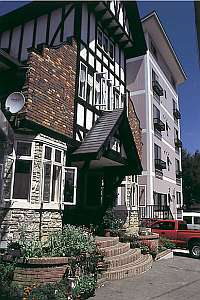 斑尾レインストンホテルの外観