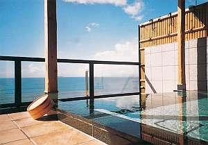 180度の海をひとり占め!!パノラマ展望露天風呂「海」