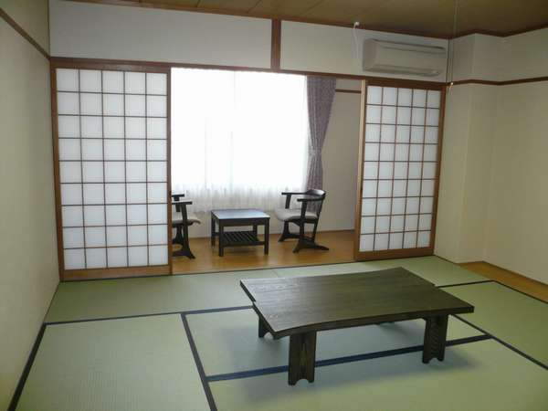 Saga(嵯峨)【8tatami for 2-4person】Japanese-Style Triple Room with Shared Bathroom