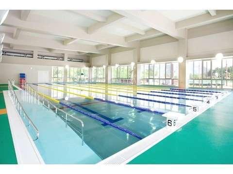 温水プールでスイスイ♪トレーニングルームで健康!プール・ジム利用券付宿泊プラン