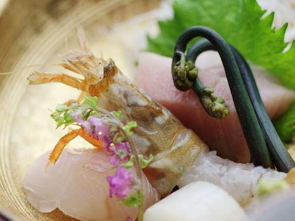 「幻の海老」とも言われる「もさえび」。2月~5月頃の食材で旨味と食感は絶品♪