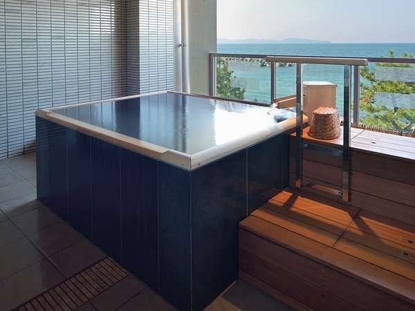 2013年に新設の貸切露天風呂♪潮風と波音をひとりじめ♪