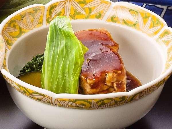 お肉好きの方には「肉料理会席」。和牛・豚・鶏肉がメインです♪魚介類が苦手な方にもおすすめ!