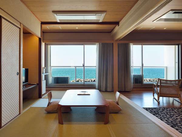 【和洋室(東館)】畳の間と洋室、広々したお部屋タイプです。