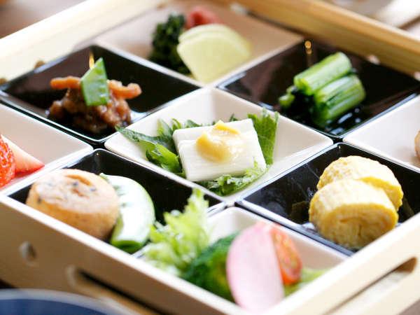 【朝食】素材を吟味した料理長こだわりの和朝食。