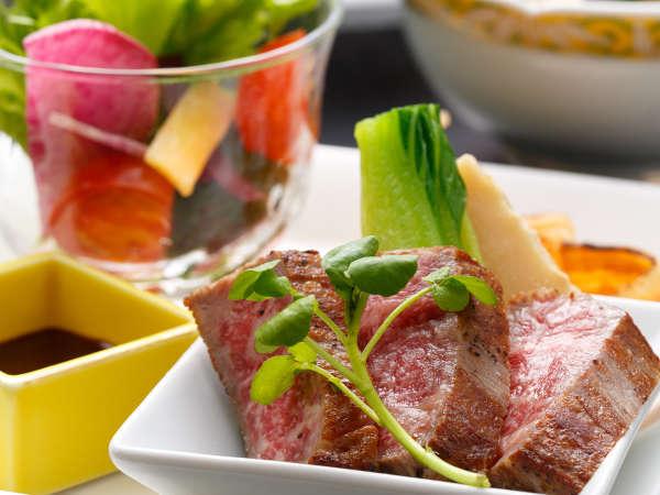 【少量会席】美味しいものを少しずつ、美味しい食材を使って料理長が腕を振るいます。