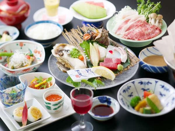 【料理長お任せ会席(夏)】新鮮な海の幸や山の幸を使用した、料理長こだわりの会席です。