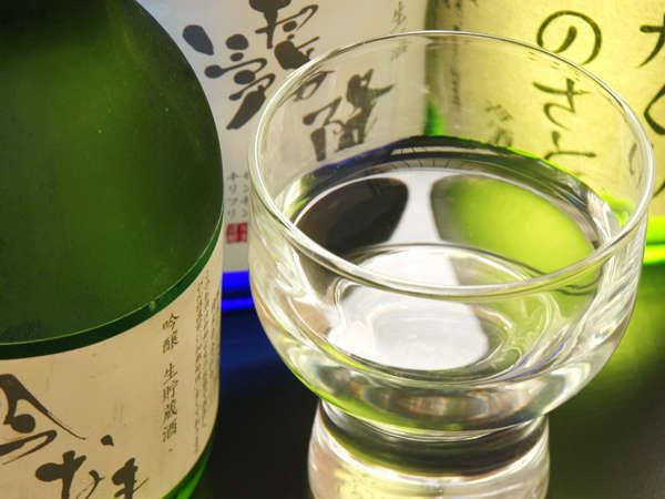 【冬季あったか企画(2)】お酒好きの方はこちら!山形牛すき焼き&地酒3種呑み比べ♪