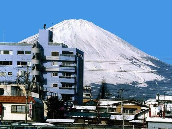 TANNPOPOのバックに富士山の姿