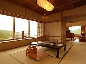 【特別室】広々とした最上級のお部屋で、最上級の寛ぎをご堪能下さい。