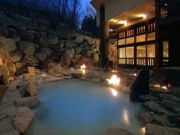 ■露天風呂/八右衛門の湯。2種類の温度の違う露天風呂をお楽しみ下さい