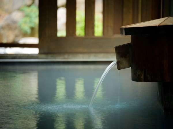 ■内湯/100%かけ流しの硫黄泉