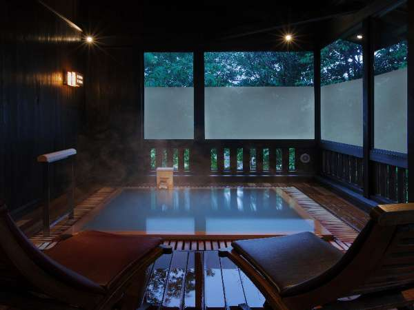 ■貸切風呂【山の恵み湯】檜の湯船で贅沢な時間を(収容人数:7名様) ※有料