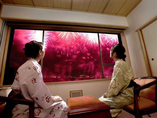お部屋から見える諏訪湖花火のイメージ。7月21日~8月25日 20時30分より毎日15分間!