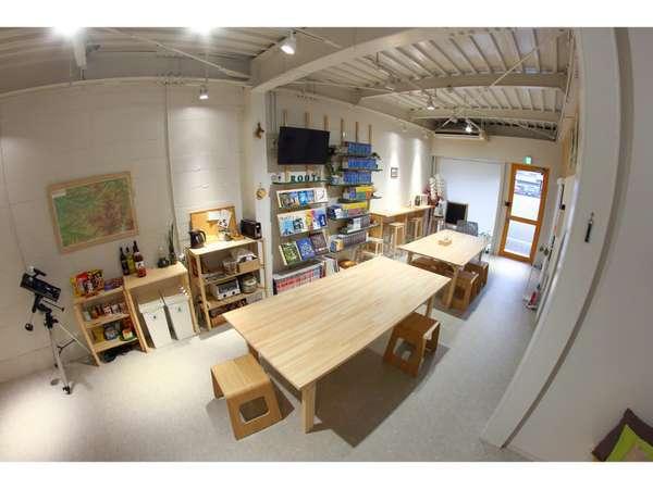 共有スペースは天井が高く,開放的で,ゆっくりとできます