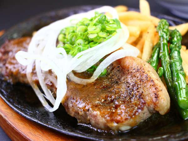 ■夕食■特選アメリカンステーキセット熱々ジューシーなステーキ肉はたまりません(^^)/