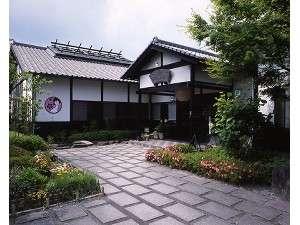 さくらさくら温泉本館(和風レストラン「さくら庵」と内湯と大露天風呂(さくら湯)