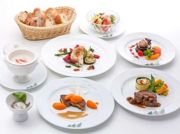 季節を頬張る!美食家たちの休日プラン「ソルビエ」フレンチスペシャルディナーコース