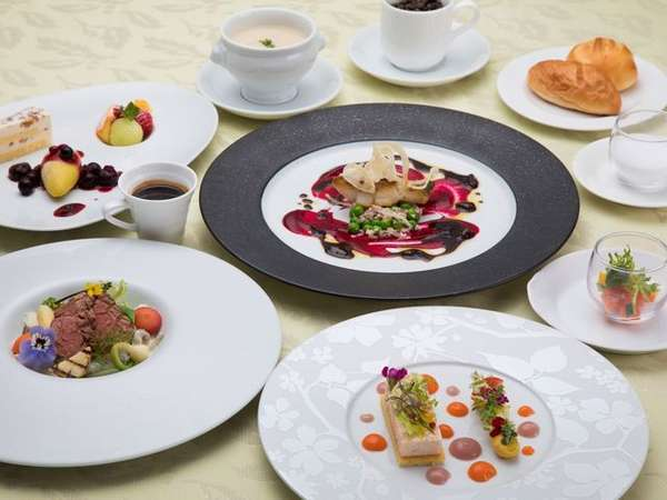 【フレンチグレードアップ】仏蘭西料理界最高名誉をもつシェフこだわりの贅沢フレンチ≪-ブランカ-≫