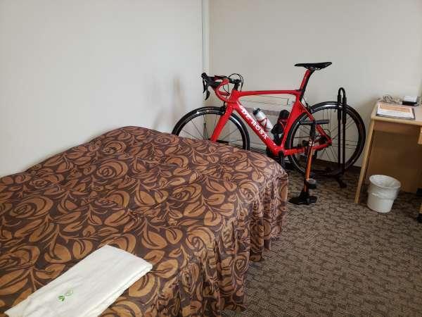 ご自身の大切なロードバイクをお部屋に持ち込んでいただくことも可能です。