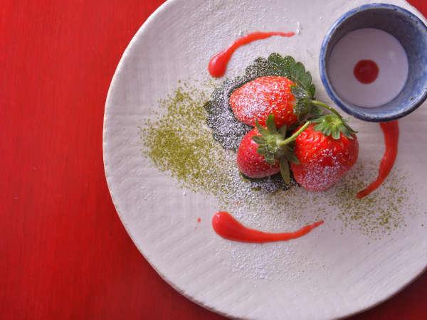 プラン限定!いちごのデザートつき♪とちおとめ・かおりの・紅ほっぺ3種食べ比べデザートです。