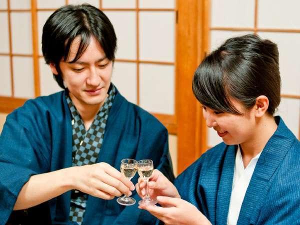 2人で大切な時間を♪白ワイン&貸切風呂付カップルプラン【食事場所:別会場食】