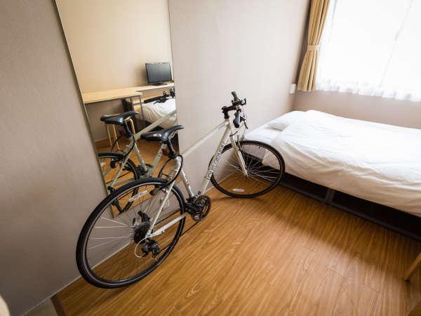 お部屋に自転車持ち込み可能です。