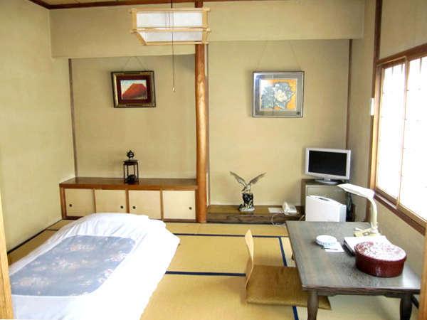 ・お1人様向けのお部屋一例。落ち着いた雰囲気の和室となります。