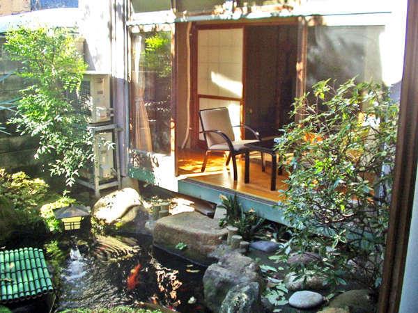 ・お庭。施設には中庭もございます。