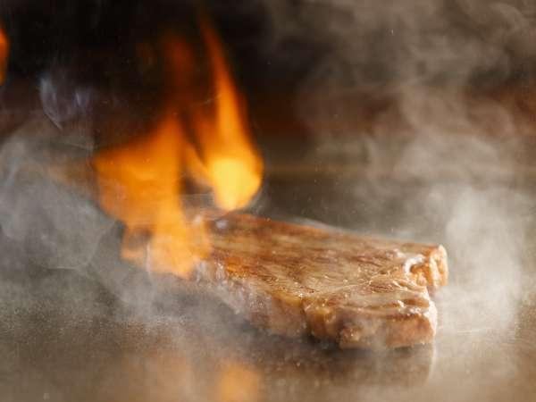 【鉄板焼】目の前で焼く旬の味覚のコース料理をお楽しみください♪