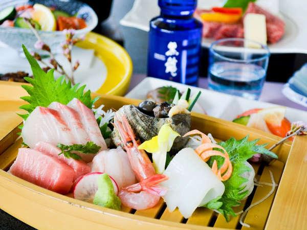 日本海で獲れた旬魚のお造りとフルーティーでさっぱりとした黒龍をご一緒に!