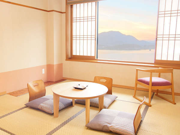 和室10畳(トイレ・シャワーブース付)-富士山・河口湖ビュー側