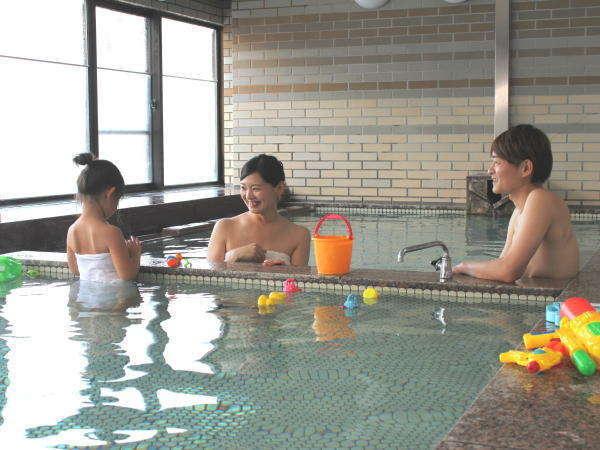 愛真館の貸切風呂はエリア最大の広さで、ご家族やカップルでのご利用におすすめです!要予約(有料)