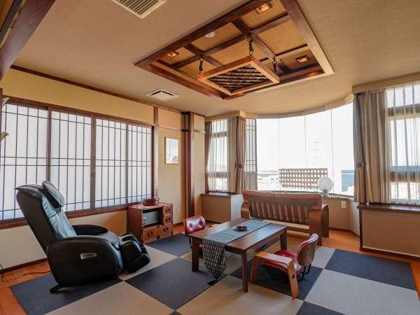 【特別室Aタイプ】檜の展望温泉付き客室です。