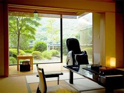 専用のお庭が付いてます、飛天館5階にある当館の特別室・露天風呂付客室です