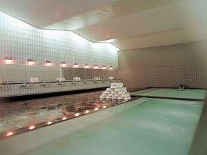 スチームサウナ完備、安比ヒルズ白樺の森3大浴場(沸かし湯)