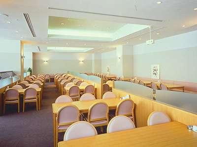 安比ヒルズ白樺の森3 バイキングレストラン…『ルピナス』○