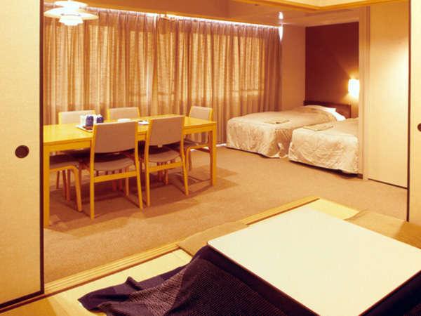 白樺の森2の和洋室、冬はコタツが嬉しい