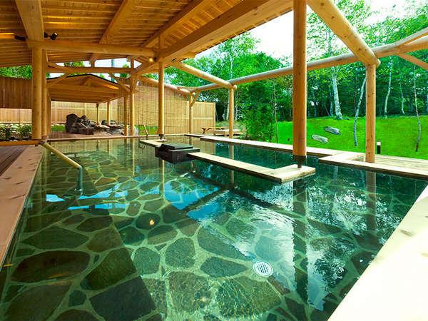 日中の入浴もおすすめ!白樺に囲まれた露天風呂※別館 安比温泉白樺の湯
