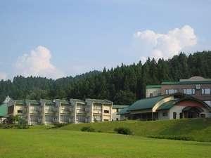 緑の山々で囲まれたかわだ(河和田)で、各種体験講座、温泉、 ハーブ、バーベキューをお楽しみください。