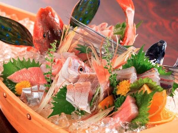 地元勝山港で獲れた新鮮な地魚を舟盛で 写真提供:じゃらんnet