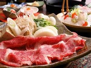 選べる鍋会席・黒毛和牛すき焼はボリューム満点!